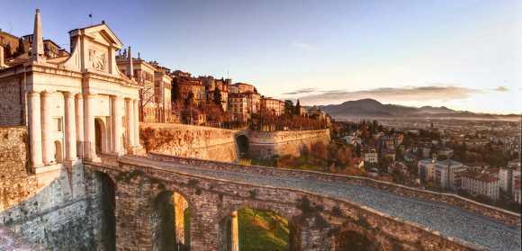 Bergamo-porta-città alta